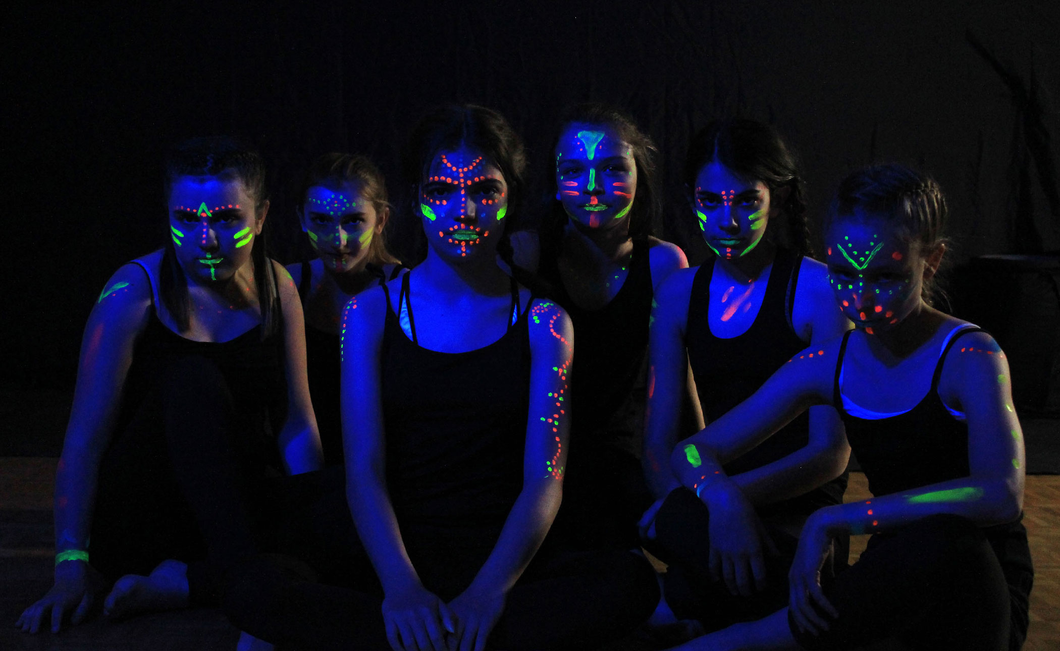 tournage enfants glowing body paint